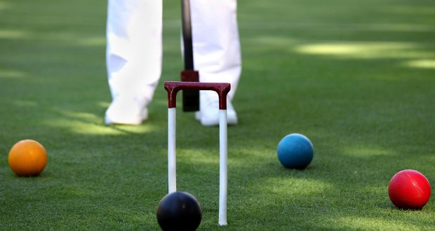 How to Set Up and Play Croquet