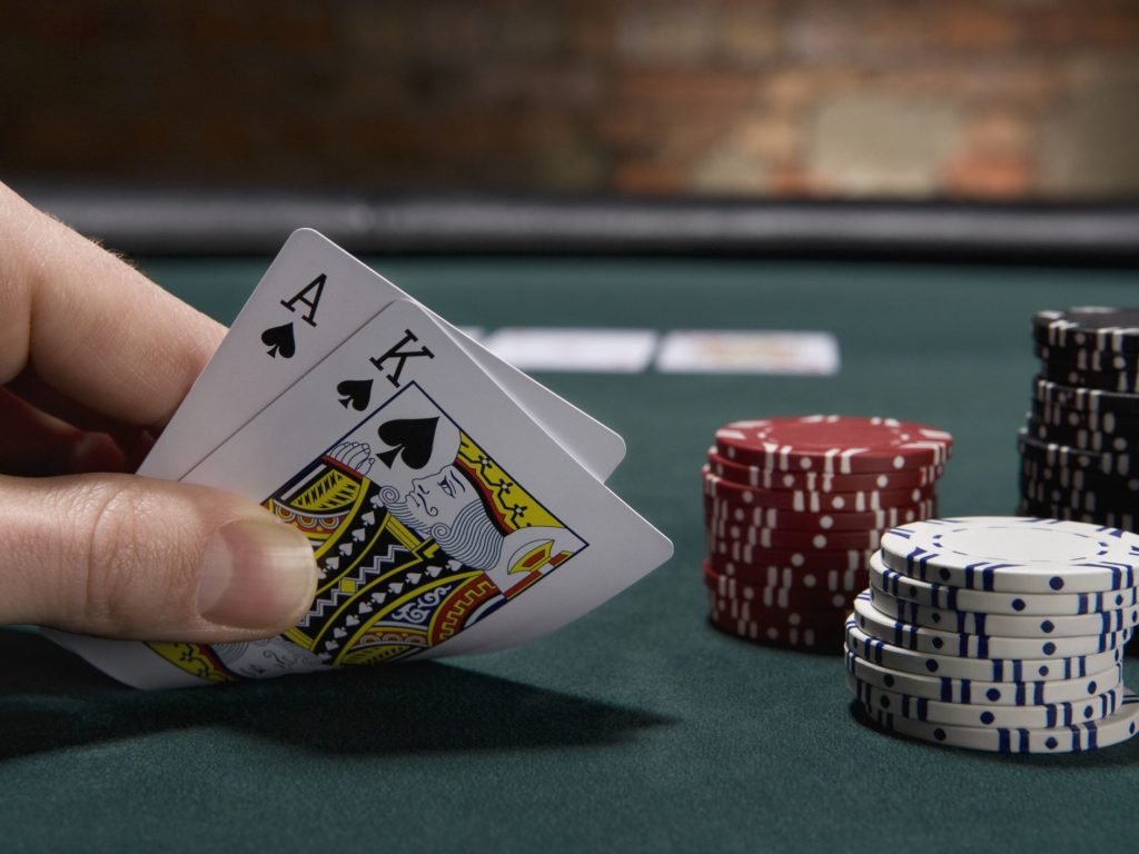 How to Play Blackjack for Beginners at Home?