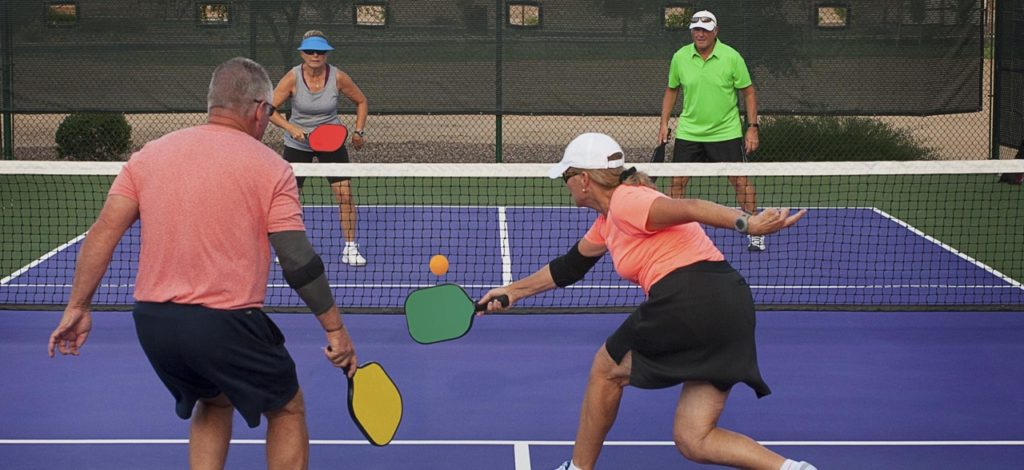 Difference Between Pickleball and Paddle Tennis