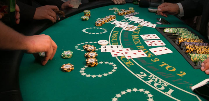 Play blackjack online free with friends